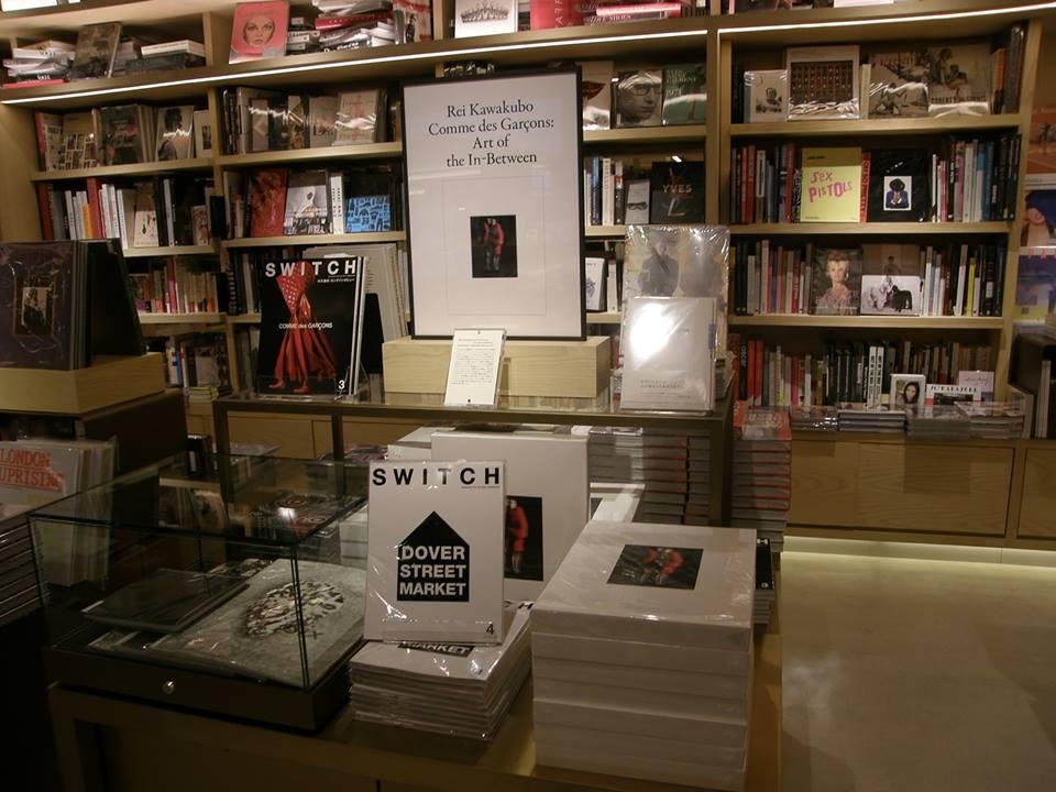 【話題記事】16時間前 その他  「G6」の蔦屋書店で「ギャルソン」川久保玲アートブックを世界最速発売 https://t.co/L5pqK0yetJ  #ギンザシックス #GINZASIX #ギャルソン展