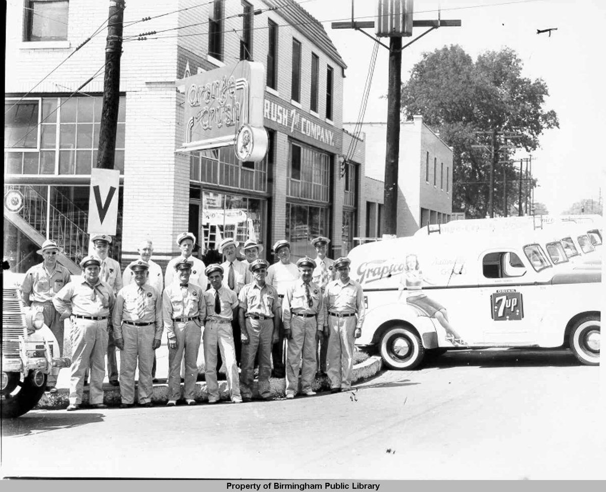 Shout out to the original group of guys who helped spread the message of @Grapico. (via @bpl) https://t.co/Piw8vbJ8zV