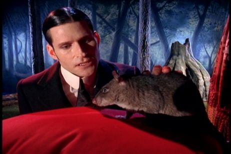 Happy birthday, Crispin Glover!!! You\re on my freebie list!!