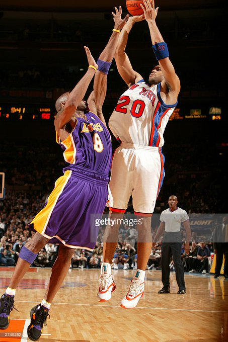 Happy Birthday to 2 x NBA All-Star Allan Houston!  Now let\s watch him drop 53 on Kobe: