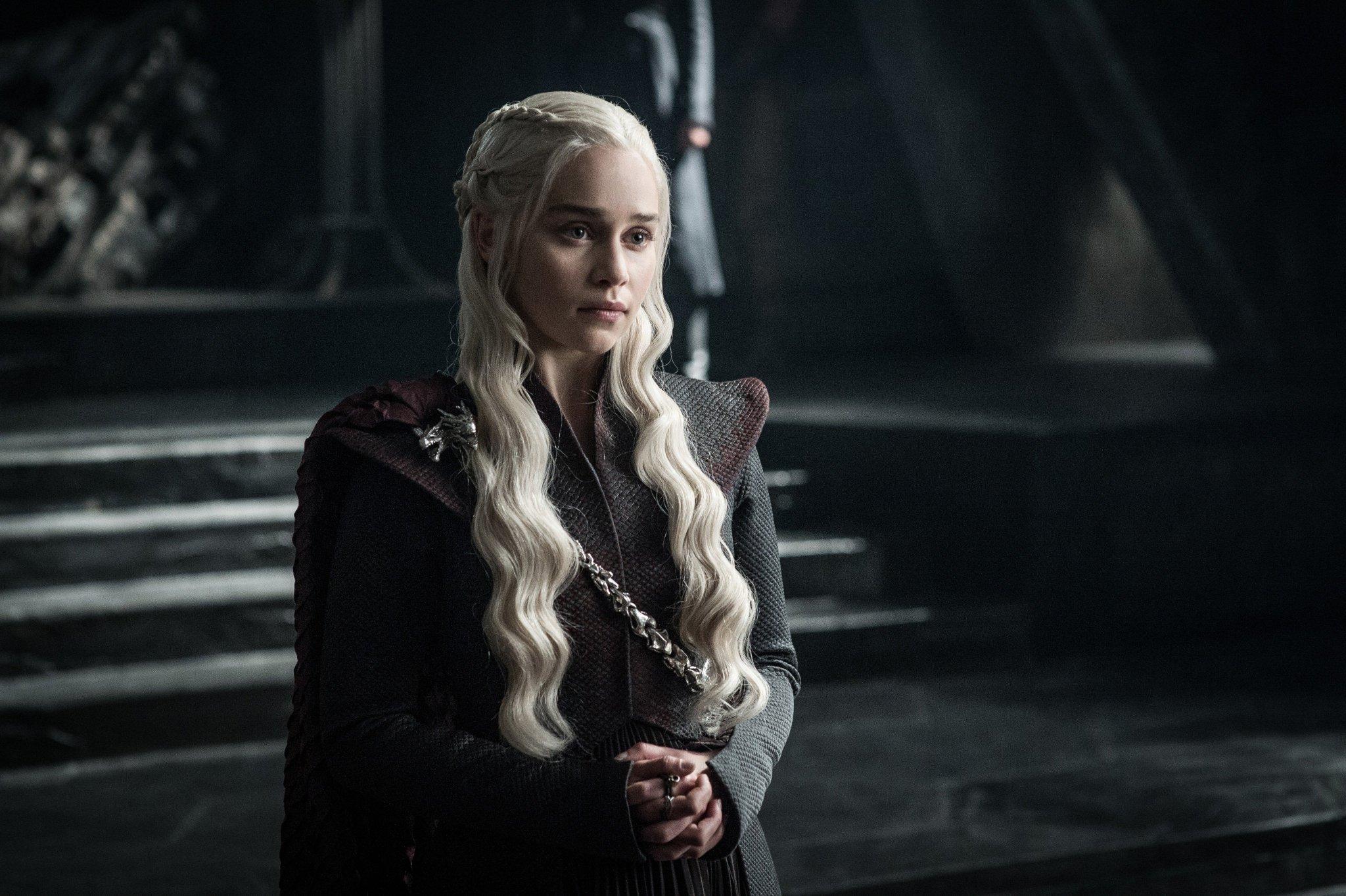 .@emiliaclarke as Daenerys Targaryen. #GoTS7 #GameofThrones (Photo Helen: Sloan/HBO) https://t.co/yM4rV5TWRP