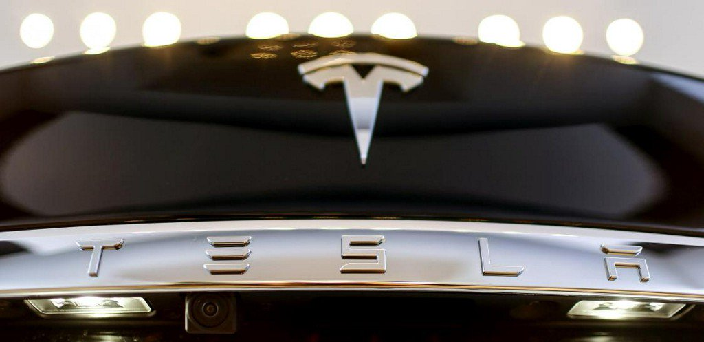 Tesla to recall 53,000 cars over parking brake issue