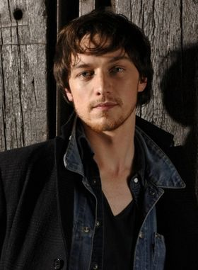 HAPPY BIRTHDAY!! James McAvoy!!                       (o´  o)