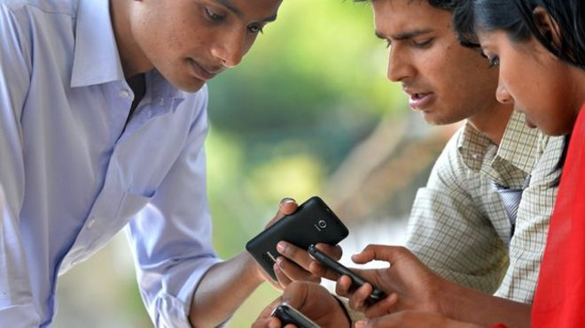 Indian Rural Youth: 51% have never used Facebook (Report) https://t.co/BYcUaG0Agx