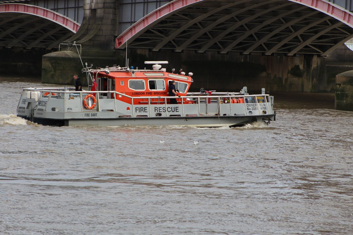 Visit #Lambeth Riverboat station on Monday between 11am-1pm & see water demo & receive safety advice  #bewaterawarehttps://t.co/2HY7xk1zNX