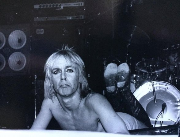 Happy 70th Birthday Iggy Pop, photo by Chuck Pulin - NY Academy of Music - 1974