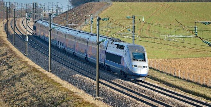 'Bruxelles', c'est aussi le cofinancement de la ligne à grande vitesse Paris - Strasbourg grâce aux fonds européens. https://t.co/UglDdQdzHW