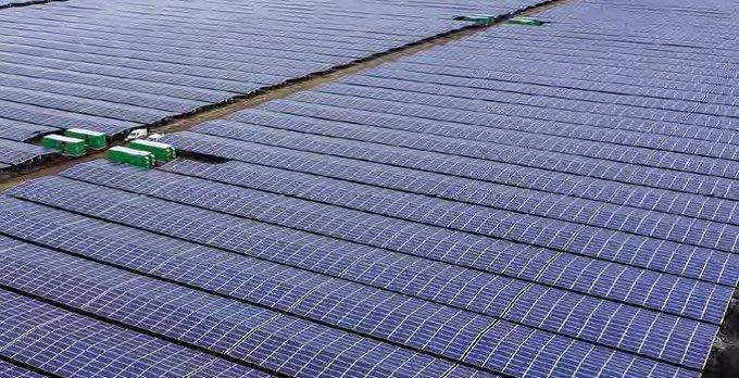 Le plan d'investissement pour l'Europe a permis la création en France de la + grande centrale solaire de l'Union ! https://t.co/QGucloL8mQ