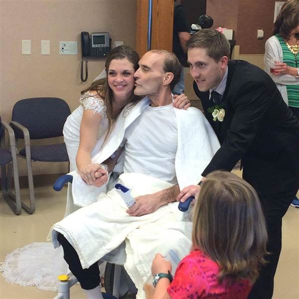 Nebraska residents fulfill dying man's wish to see his daughter get married and his son graduate from high school. https://t.co/E1CkOxS9NM