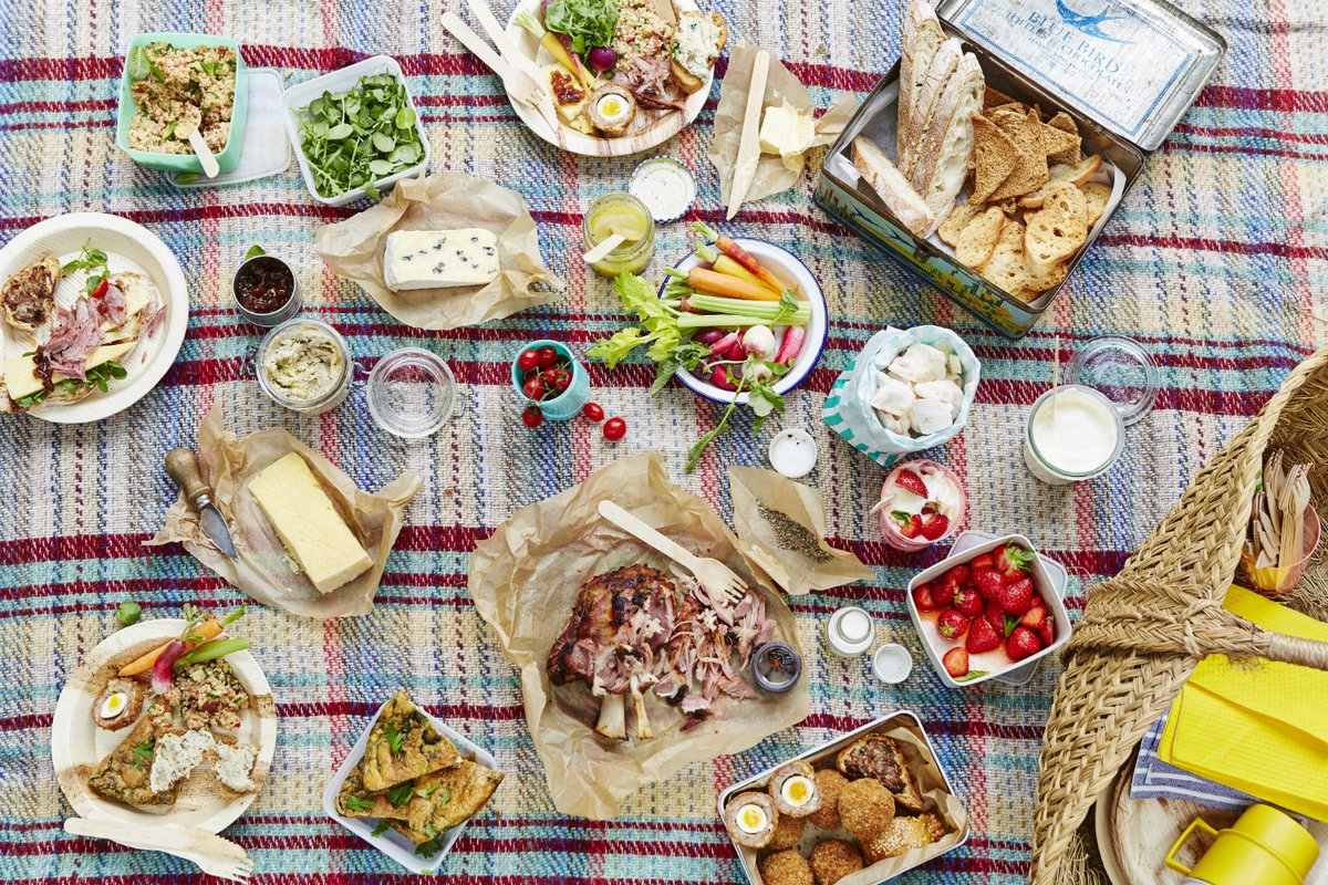 HAPPY #STGEORGESDAY GUYS! Celebrate with a great British picnic jox https://t.co/ZIA9AysZvo https://t.co/Ry17ZsNHxk