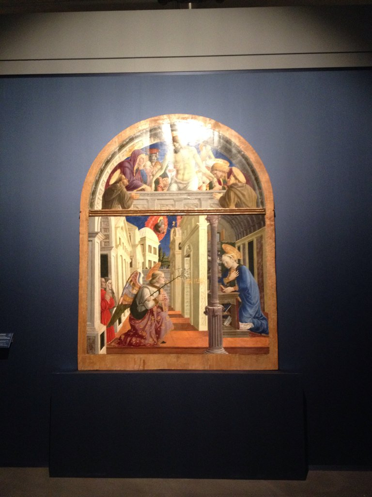 昨日載せた受胎告知2枚ともキリストの受難も同時に描かれている。キリストの誕生は同時に救済も意味するため。楽園追放が描かれ