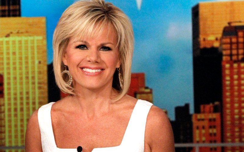 'Gretchen Carlson Can't Stop Smiling as Bill O'Reilly Implodes': https://t.co/YDCDgFhQ2g https://t.co/5qNbgdCCd5