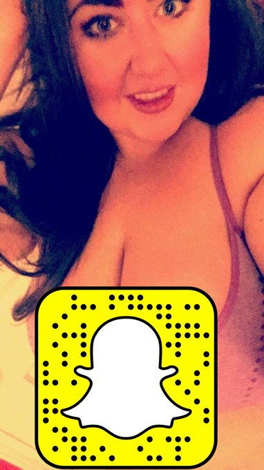 Super sexy #fitgirl @evaliciousMGF (https://t.co/NBLMP6oo6J) is taking over our #snapchat on Friday!