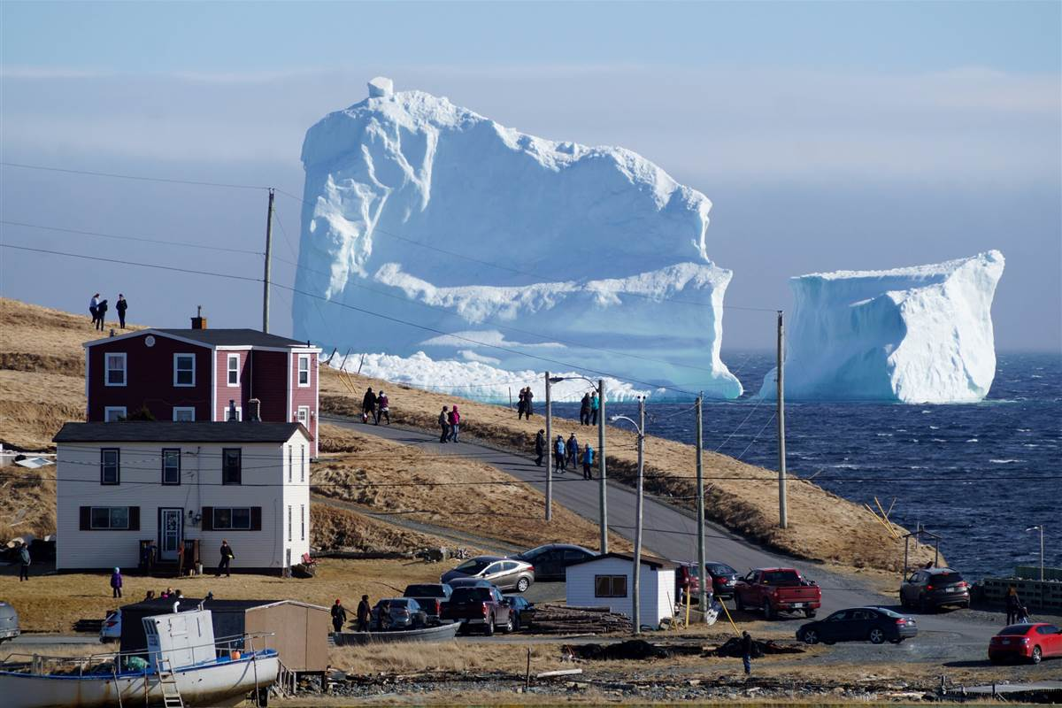 A massive iceberg drifting down from the arctic, off Newfoundland's east coast, has become stuck in shallow water. https://t.co/Ov7MyhcBEr