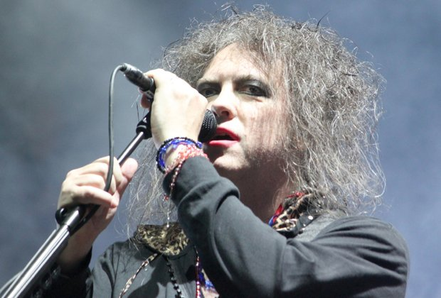 Happy birthday to one of the most prolific live performers, The Cure\s Robert Smith!