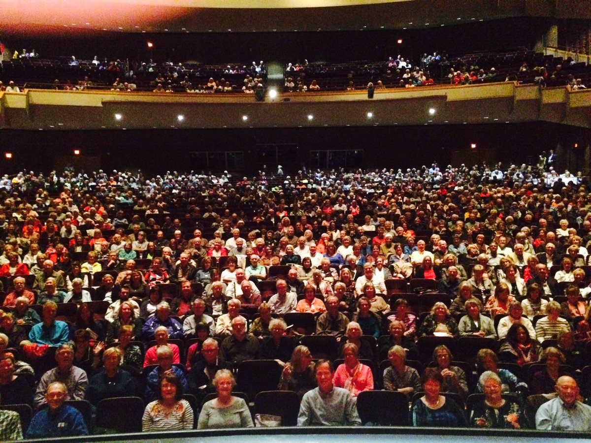 Thousands turned out in Tulsa today to talk American foreign policy, Trump-Putin, etc. people are engaged! Love it.