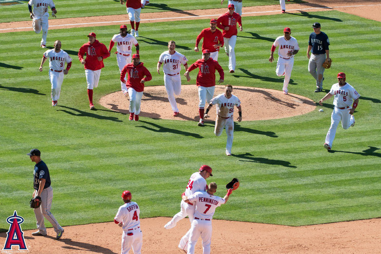 If you missed today's action, you'll want to hurry over to https://t.co/f5Uka2ar7o RIGHT NOW! #TheHaloWay https://t.co/LWn5EqnuoE