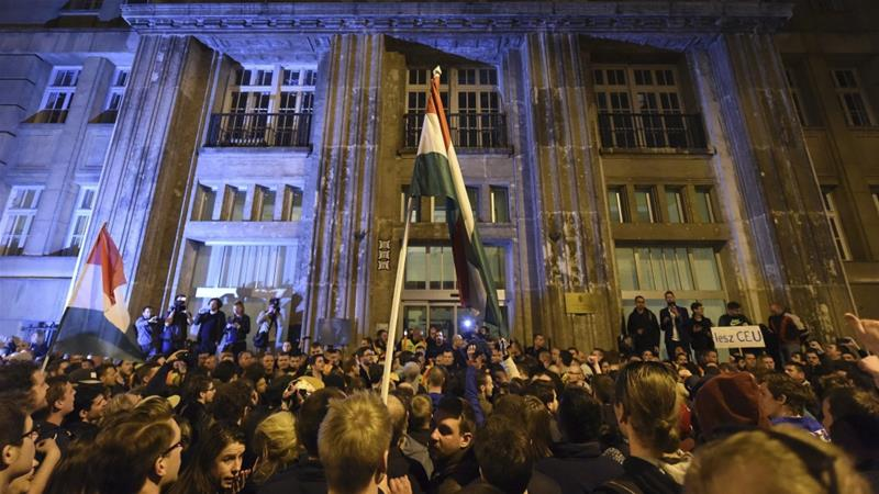 Tens of thousands rally in Hungary over university bill