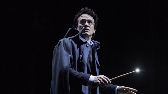"""Harry Potter and the Cursed Child"" wins a record nine OlivierAwards (Full list)"
