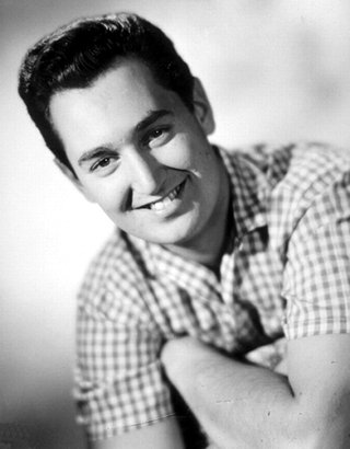 Playing : Happy Birthday Sweet Sixteen (Radio Version) by Neil Sedaka @