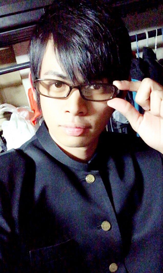 前に撮った写真だけど、坂本ですが?のコスプレって言ったら怒られるかな( ˘ω˘ )wまだちゃんとみたことはないけど面白い