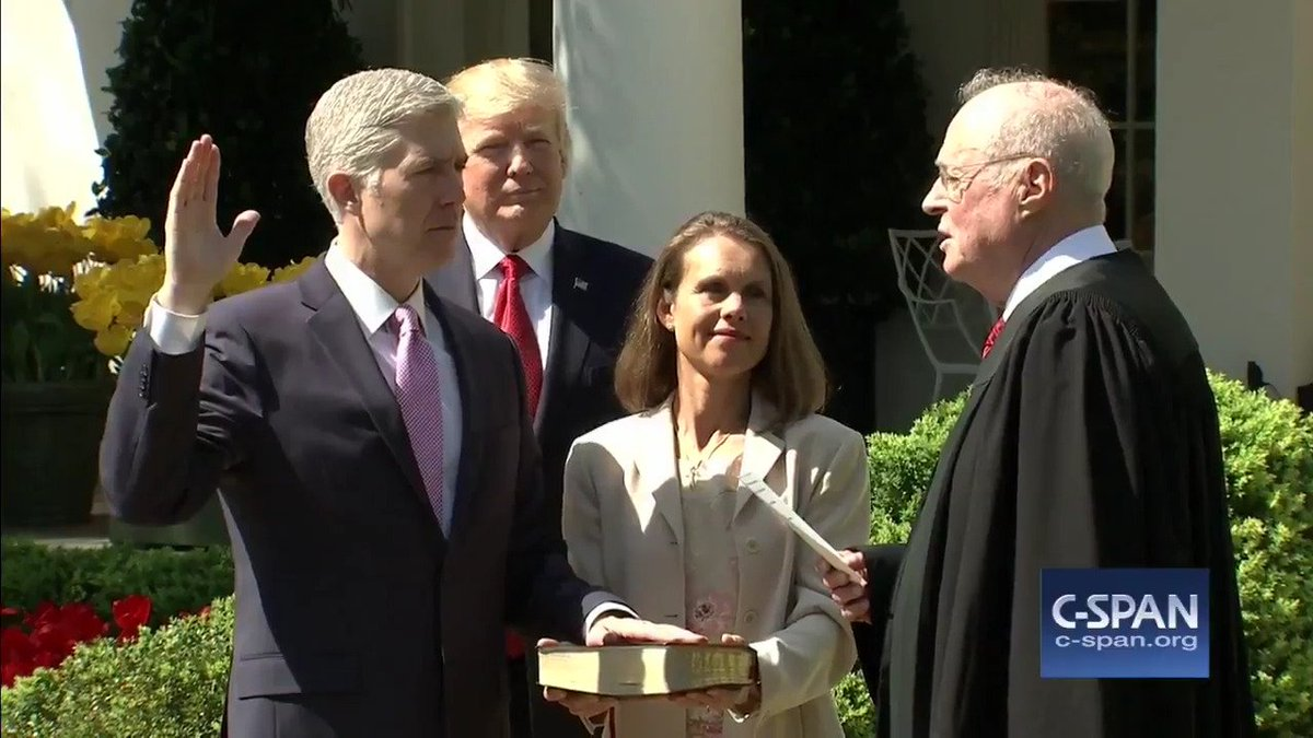 Justice Anthony Kennedy swears in Judge Neil #Gorsuch as an Associate Justice of the Supreme Court. #SCOTUS