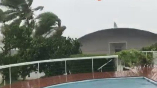 Category three Cyclone Cook hits New Caledonia