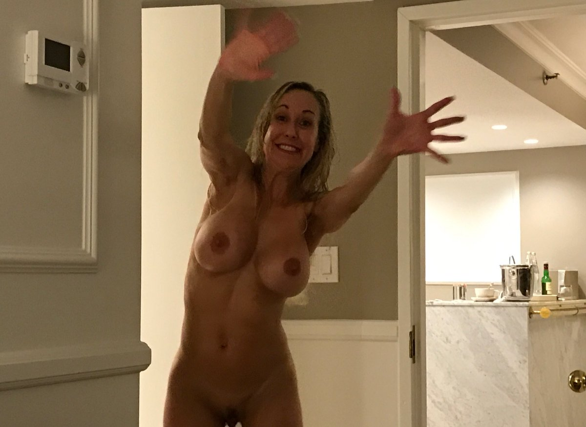 Maybe this is too #candid ? #BrandiPics #MILFlife bhaWvQczxW