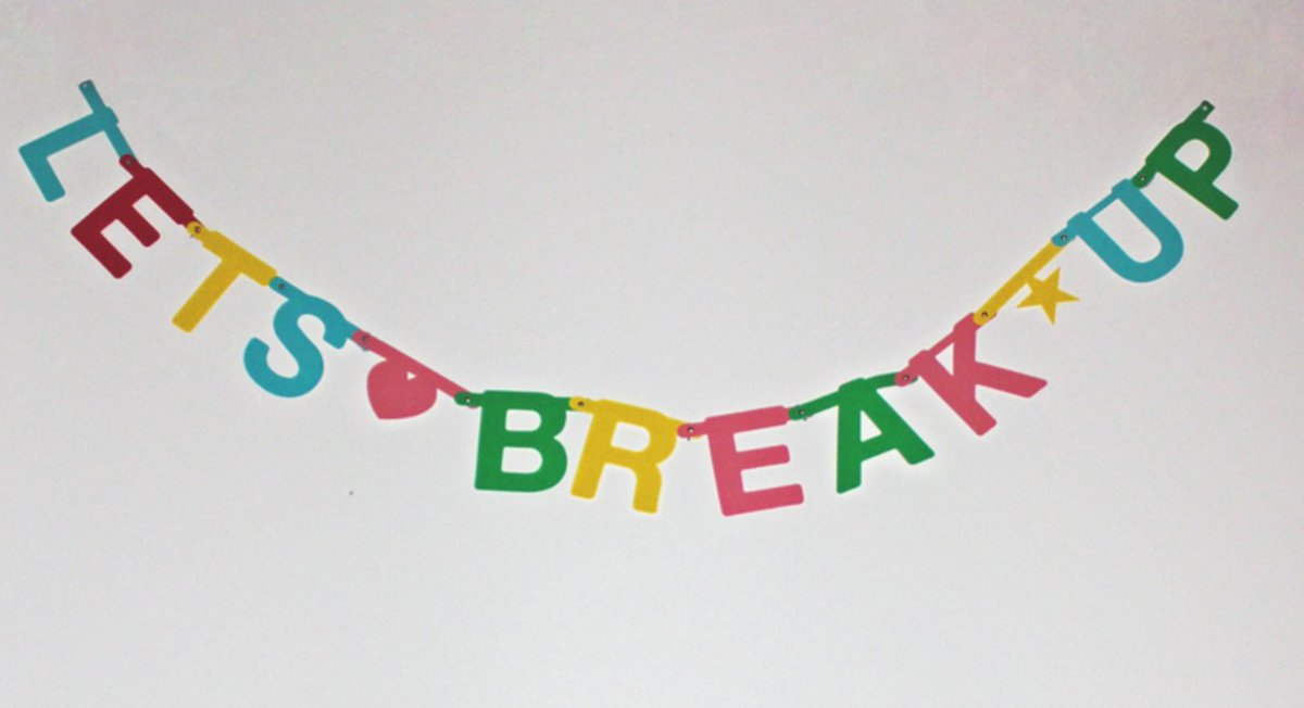 Take a picture for our new book that represents a break-up: https://t.co/1GRWl6Ya4g https://t.co/83HDrKZIBc