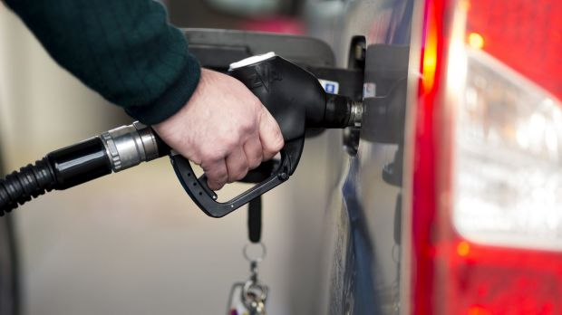 Canberra's petrol prices on the way down for Easter long weekend: NRMA