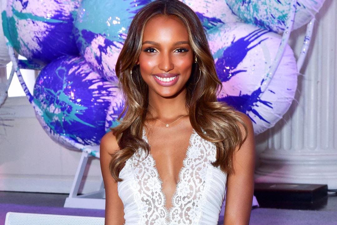 Look who won Face of the Year at the #TFFAwards Finalists' Luncheon—congrats, @JasTookes! ???? https://t.co/4MTZWqiT4U