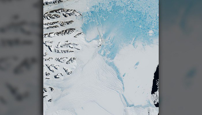 Gigantic iceberg to break off of Antarctica