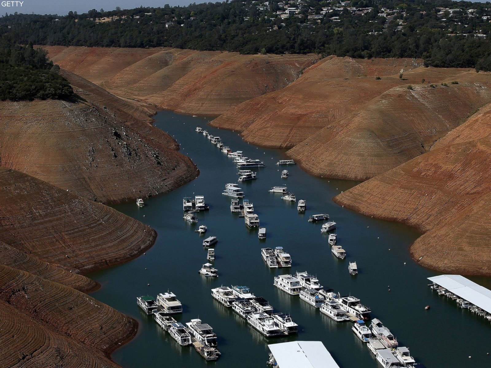 Before-and-after photos show California landscapes making a comeback after years of drought: https://t.co/WqKjKLOz9r https://t.co/5iKoivC5ca