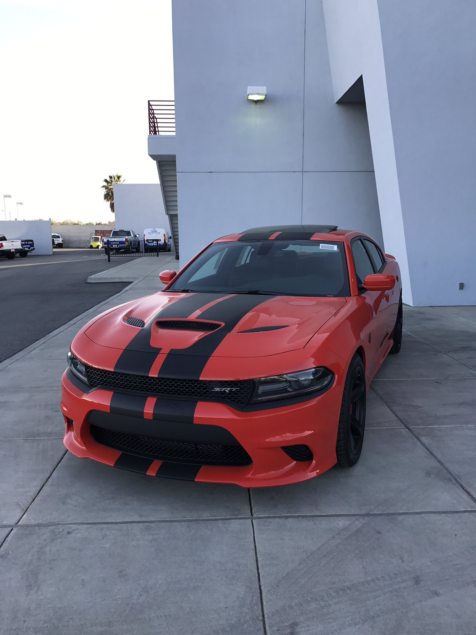 Need y'all's opinion— should I get this super sexy orange 2107 Dodge Charger Hellcat https://t.co/mLrNEEFNAx