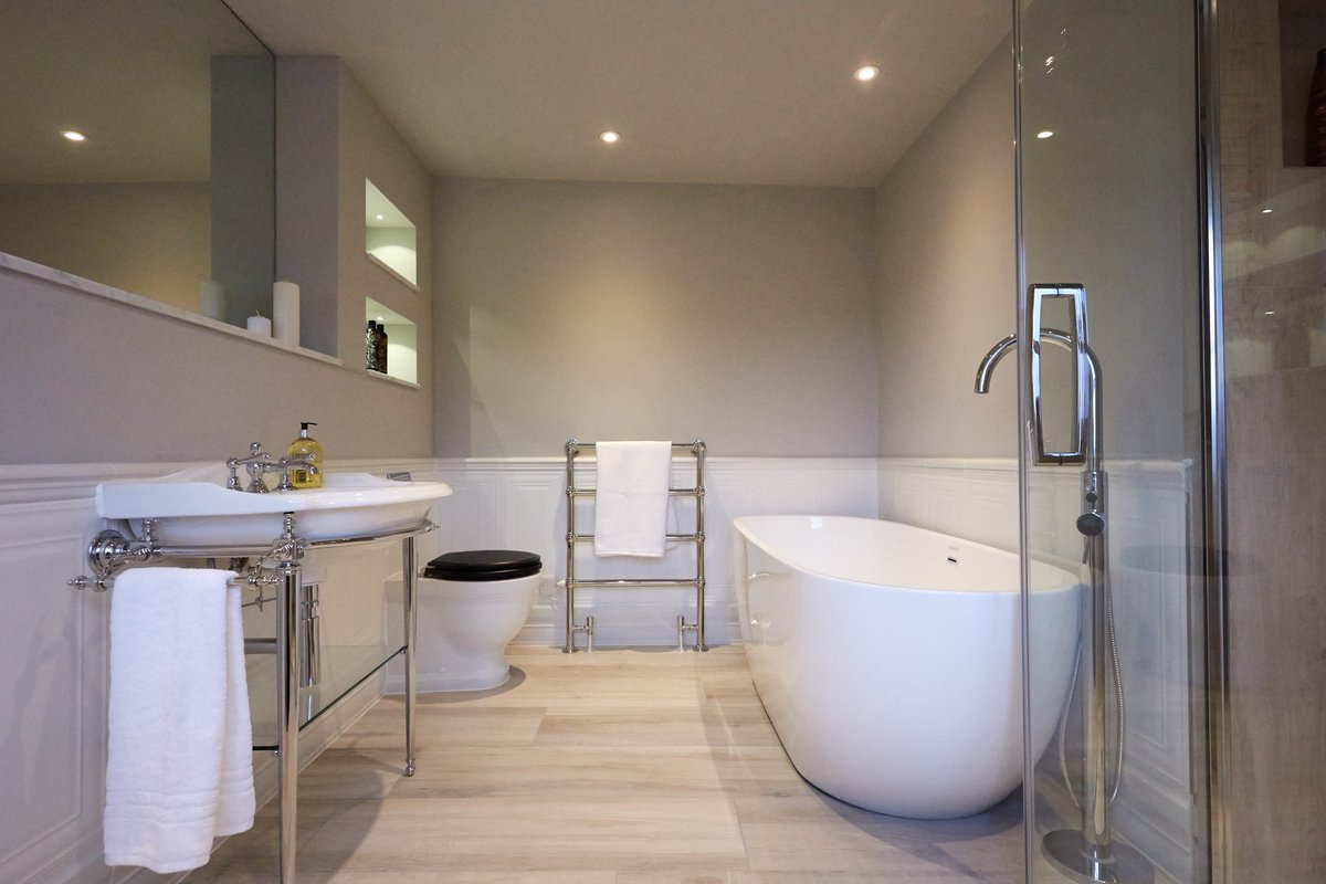test Twitter Media - This simple and elegant bathroom styles a drift basin and stand, Laura Ashley Pavilion back to wall pan and Opus modern double ended bath. https://t.co/GXMoBkMIRc