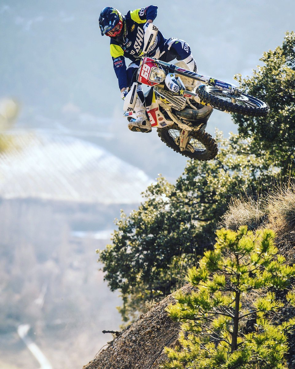 @Husqvarna1903  @rockstarenergy  @ffmoto | @GoPro | @SidiSport  @AirohHelmet | @ride100percent | @Michelin https://t.co/spBCTbCB8T