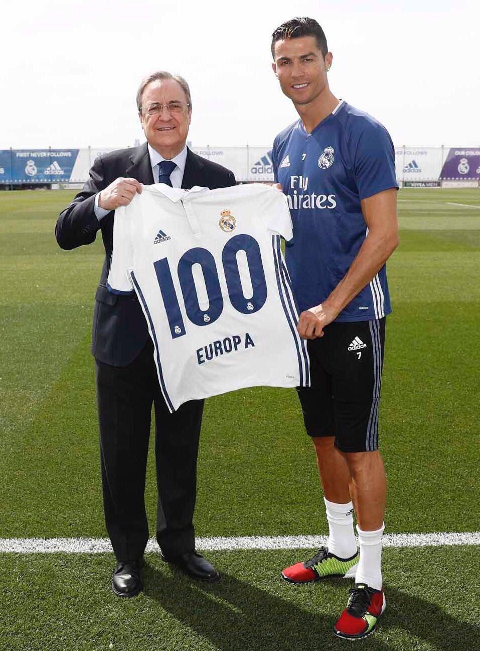 Feliz, por haber logrado el récord con la camiseta de este club.  Hala Madrid! ���� https://t.co/hS7VFx9UF2