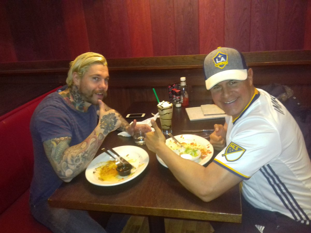 Dinner with Ragnar before he leaves to pillage and plunder the Russians! LMBQ6it3jx