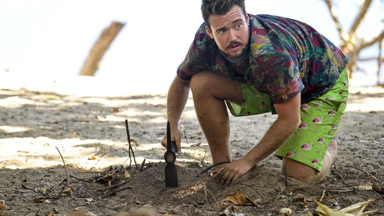 Survivor: CBS Stands by Decision to Broadcast Zeke Smith's Outing