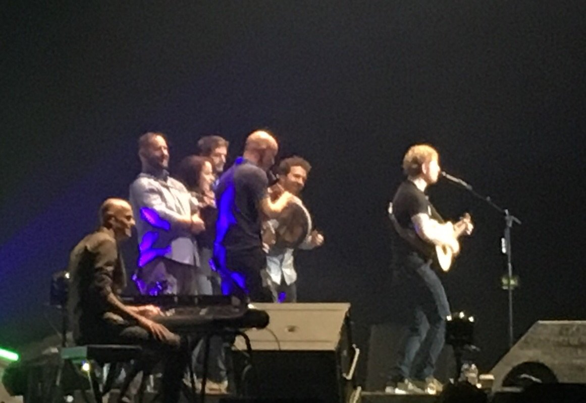 RT @johnnymcdaid: .. @edsheeran giving it Irish dancing socks with @beogamusic in Dublin. Just waoh! X https://t.co/qZVaIXnEaj