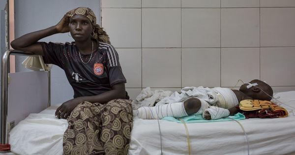 Au Cameroun, des rescapées de la guerre contre Boko Haram racontent: «J'ai trouvé les enfants en morceaux» https://t.co/L5tU7rr0Cm