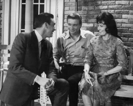 Happy 85th birthday to the Honky Tonk Girl of Loretta Lynn!