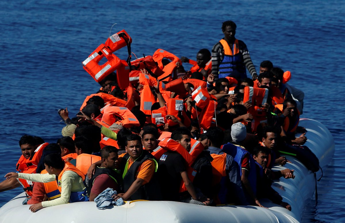 More than 2,000 migrants rescued in dramatic day in Mediterranean