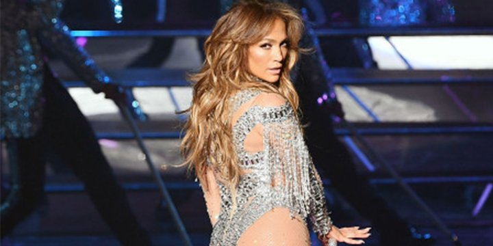 Jennifer Lopez is set to perform in the Dominican Republic for the first time