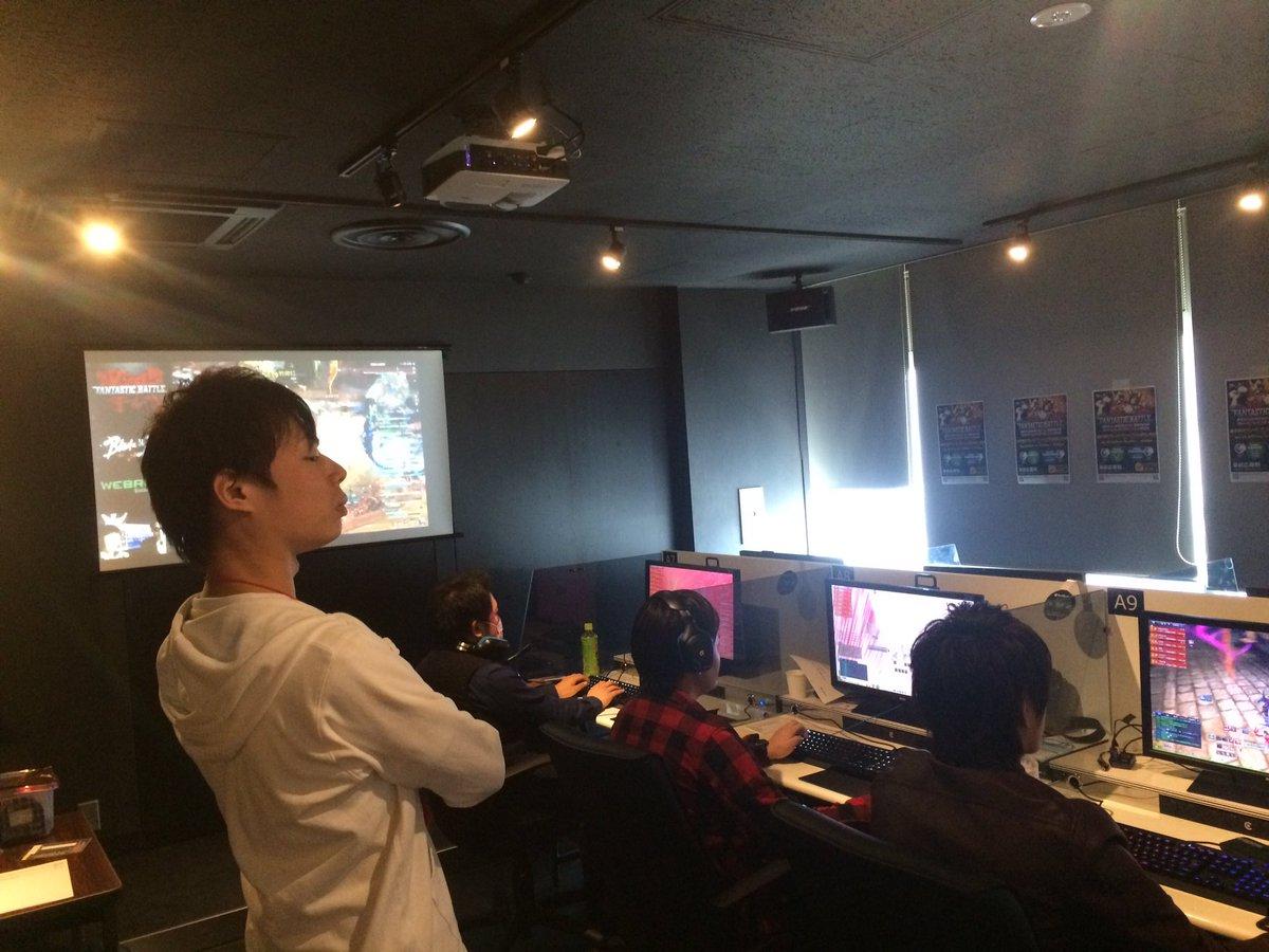 サイバック博多で監督っぽいシャポロ(見てるだけ)がんばれー!#ブレイドアンドソウル