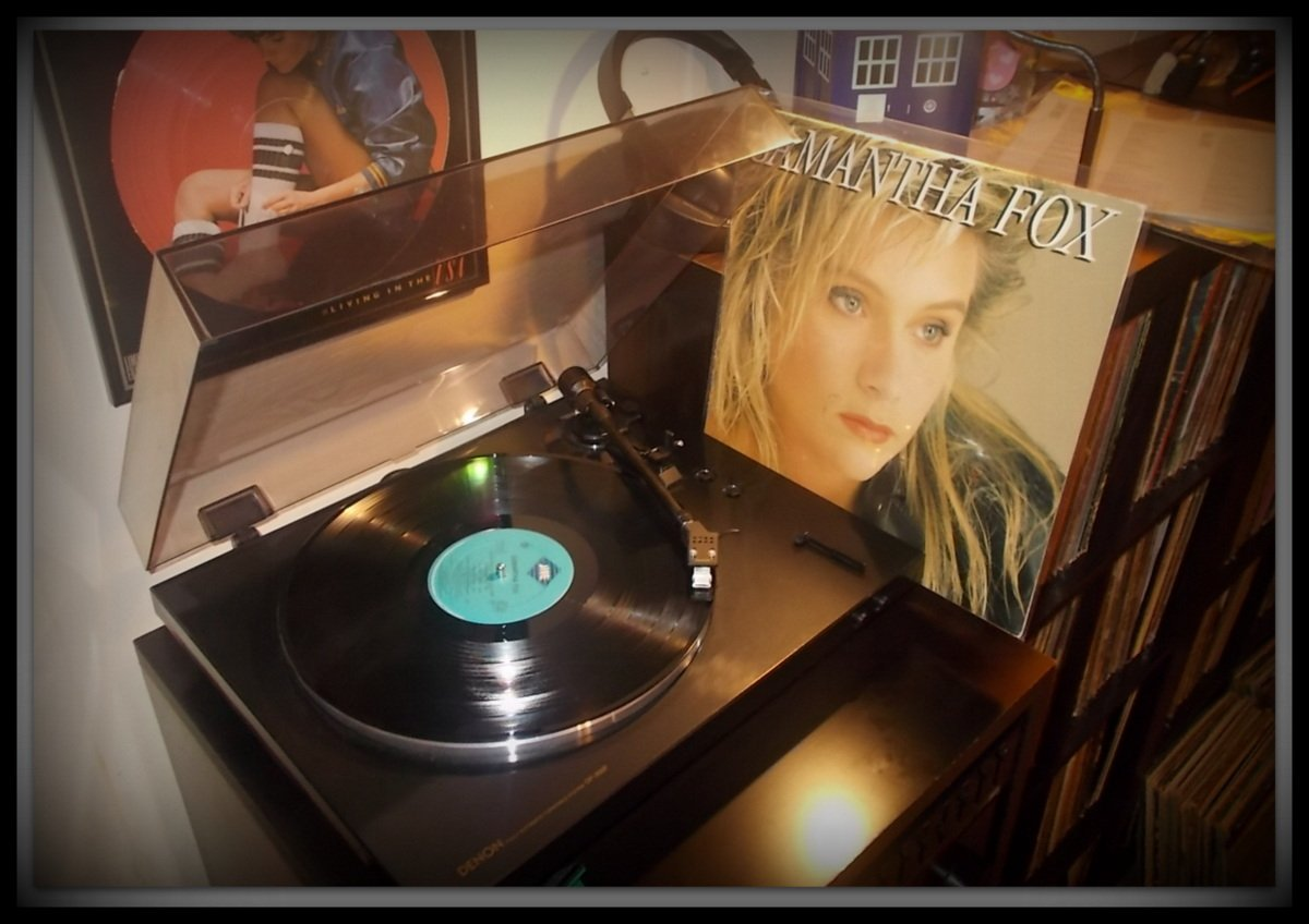 Born on this day (April 15th) in 1966: Samantha Fox! Happy Birthday!