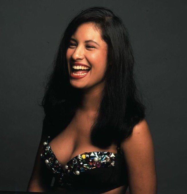 Happy birthday to the queen Selena Quintanilla Perez