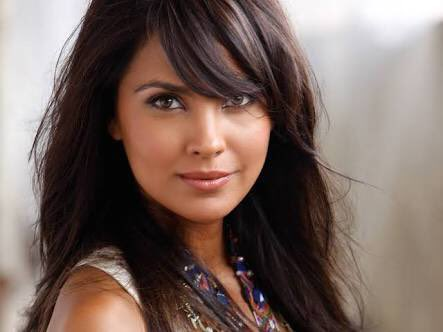 wishes the beauty queen Lara Dutta a very Happy Birthday