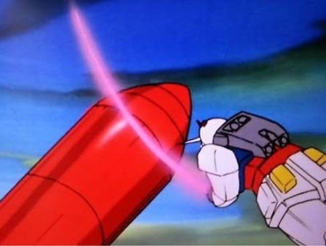 どこかの国が飛ばしたミサイルを、密かに生ガンダムさんが落としたことは、内緒にしておこう…