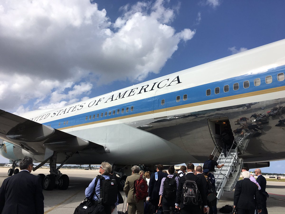 Air Force One about to depart Palm Beach for Andrews AFB. https://t.co/co2zbiWVY9